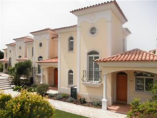 Bright 3 bedroom Townhouse in Quinta do Lago with A/C - Quinta do Lago vacation rentals