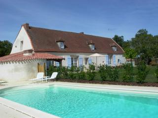 Nice Gite with Internet Access and Dishwasher - Mouilleron-en-Pareds vacation rentals
