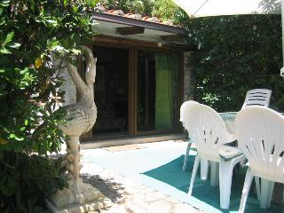Cozy Apartment 10 min walk from beach - Ansedonia vacation rentals