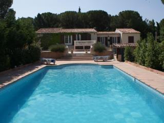 Superb villa in the heart of Provence. 5 bedrooms. - Vidauban vacation rentals