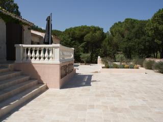 Superb villa in the heart of Provence. 5 bedrooms. - Vidauban vacation rentals