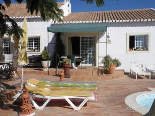 Quinta Velha - Girassol - wheelchair friendly - Mexilhoeira Grande vacation rentals