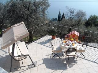 Beautiful 2 bedroom Gargnano Guest house with Internet Access - Gargnano vacation rentals