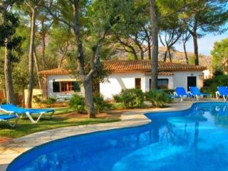 Gorgeous 3 bedroom Villa in Port de Pollenca - Port de Pollenca vacation rentals