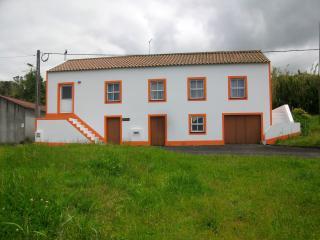 Quinta das flores de laranjas Haus zur Orangenblüt - Cedros vacation rentals
