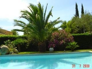 Cozy 3 bedroom Villa in Orange with Internet Access - Orange vacation rentals
