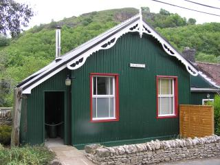 4 bedroom Cottage with Internet Access in Millers Dale - Millers Dale vacation rentals