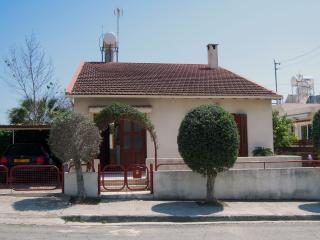 Lovely 4 bedroom Vacation Rental in Limassol - Limassol vacation rentals