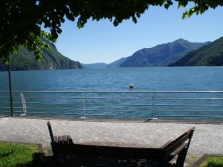Cozy 1 bedroom Apartment in Lovere with Internet Access - Lovere vacation rentals