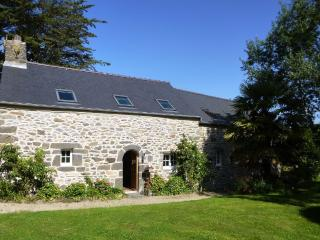 Bright 4 bedroom Gite in Brest with Internet Access - Brest vacation rentals
