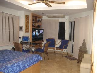 Jomtien Thipcondotel (850) - Jomtien Beach vacation rentals