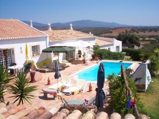 Quinta Velha - Jacaranda - Mexilhoeira Grande vacation rentals