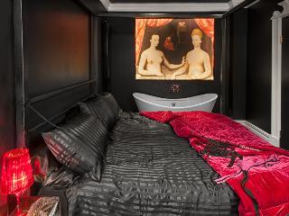 See Saw Sea - Brighton romantic, sexy retreat - Brighton vacation rentals
