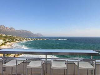 Penthouse with massive deck in Clifton | Dunmore - Clifton vacation rentals