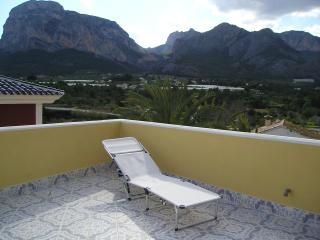 Beautiful Condo with A/C and Satellite Or Cable TV - El Albir vacation rentals
