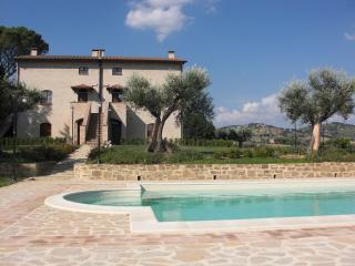 8 bedroom Farmhouse Barn with Television in Perugia - Perugia vacation rentals