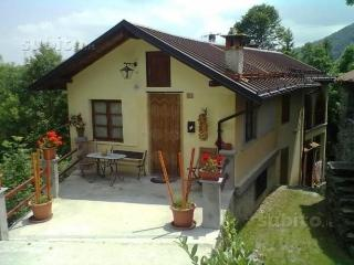 Bright 2 bedroom Turin Cottage with Satellite Or Cable TV - Turin vacation rentals