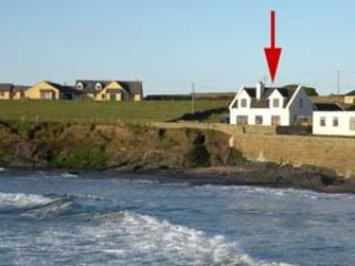 Nice Cottage with Parking Space and DVD Player - Spanish Point vacation rentals