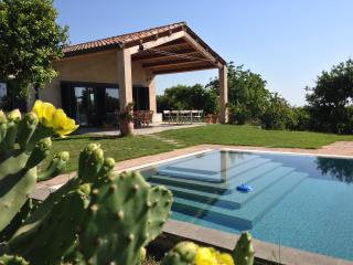 Wonderful 3 bedroom Santa Venerina Villa with Internet Access - Santa Venerina vacation rentals