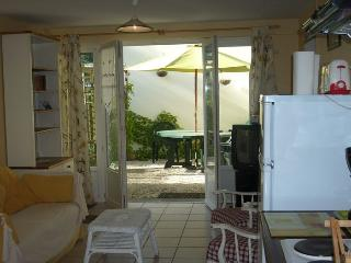 2 bedroom Gite with Internet Access in Saint-Georges-sur-Cher - Saint-Georges-sur-Cher vacation rentals