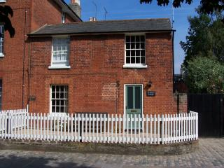 1 bedroom Cottage with Internet Access in Hadleigh - Hadleigh vacation rentals