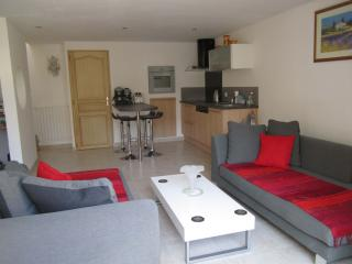 Ideally located and well equipped property - Uzes vacation rentals