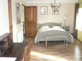 Romantic 1 bedroom Verdun Guest house with Television - Verdun vacation rentals