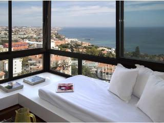 Honneymoon stunning view apt. - Estoril vacation rentals
