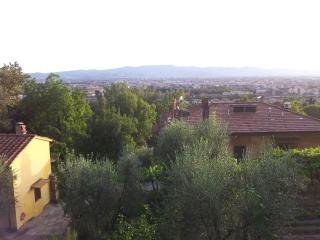 B & B giolica - Prato vacation rentals
