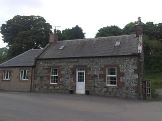 Blossom Cottage, Maybole KA19 7SB - Maybole vacation rentals