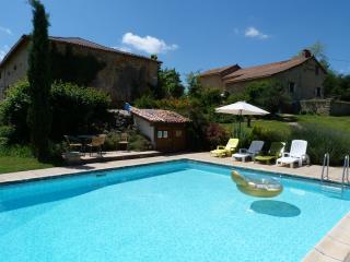 """""""Le Tilleul"""" Gites - La Vigne - Brantome vacation rentals"""