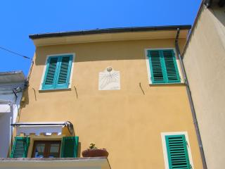 Nice 2 bedroom Vicopisano House with A/C - Vicopisano vacation rentals