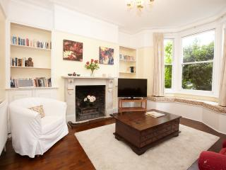 Kew Gardens Apartment - Richmond vacation rentals