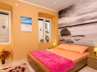 3 bedroom Apartment with Internet Access in Kotor - Kotor vacation rentals