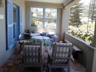2 bedroom Cottage with Internet Access in Kalk Bay - Kalk Bay vacation rentals
