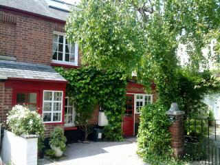 Charming 2 bedroom Topsham Cottage with Internet Access - Topsham vacation rentals