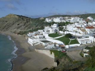 Nice Condo with Internet Access and A/C - Burgau vacation rentals