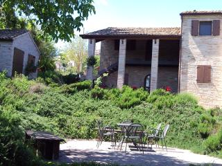 3 bedroom Bed and Breakfast with Internet Access in Petritoli - Petritoli vacation rentals