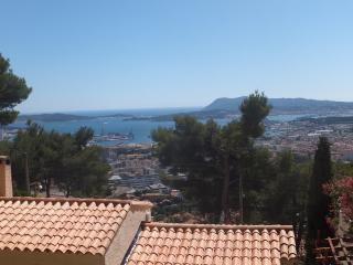 Nice House with Internet Access and Dishwasher - Toulon vacation rentals