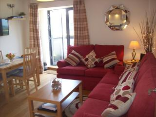 Comfortable Condo with Internet Access and Dishwasher - West Bay vacation rentals
