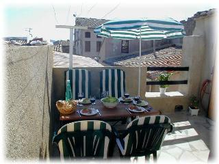 Bright 2 bedroom Gite in Olonzac - Olonzac vacation rentals