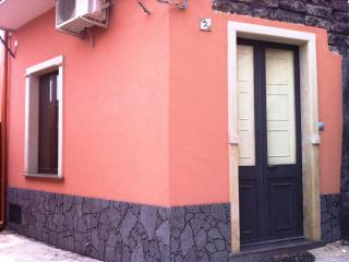 BELLAVISTA CON CORTILE - Acireale vacation rentals