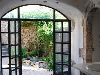 Olivers house near Uzes - Lussan vacation rentals