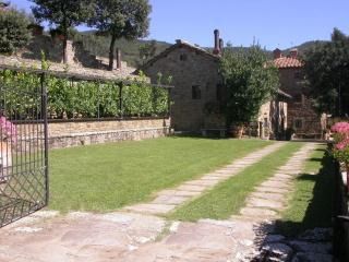 Col di leccio, beautiful panoramic stone cottage - Cortona vacation rentals