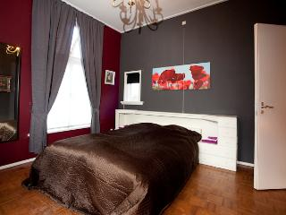 5 bedroom Castle with Internet Access in Tilburg - Tilburg vacation rentals