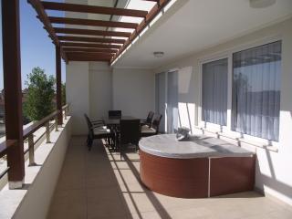 'Babylon 54' Luxury 3 bed duplex mountain views - Side vacation rentals