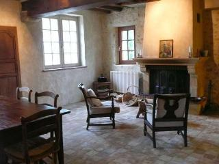 Charming Farmhouse Barn in Nogent Le Bernard with Satellite Or Cable TV, sleeps 5 - Nogent Le Bernard vacation rentals