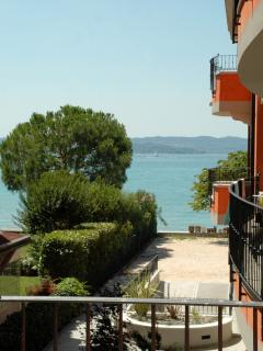 Bright Condo with Parking and Refrigerator in Sirmione - Sirmione vacation rentals