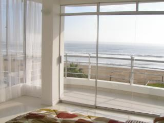 Comfortable Trujillo vacation Condo with Satellite Or Cable TV - Trujillo vacation rentals