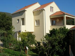 Holiday House LeNi - Molunat vacation rentals